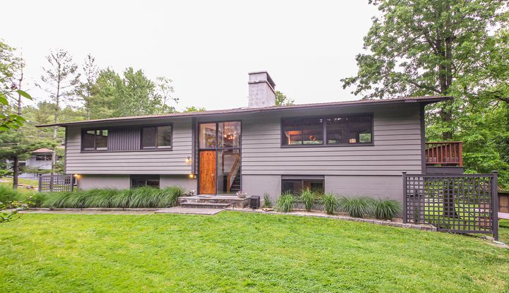 2 Blueberry Hill Road - Image 1