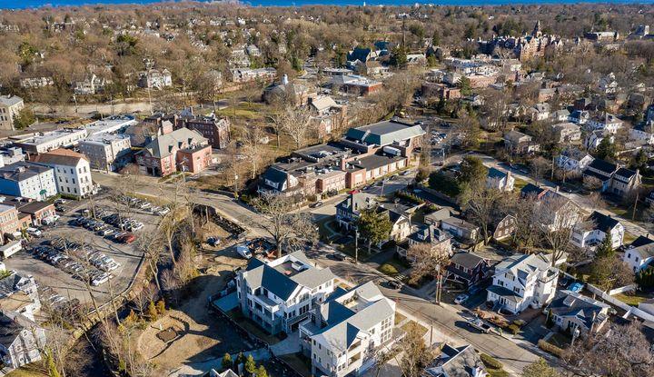 40 Locust Avenue Flat 1 - Image 1