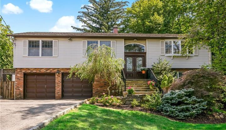 49 Forest Boulevard - Image 1