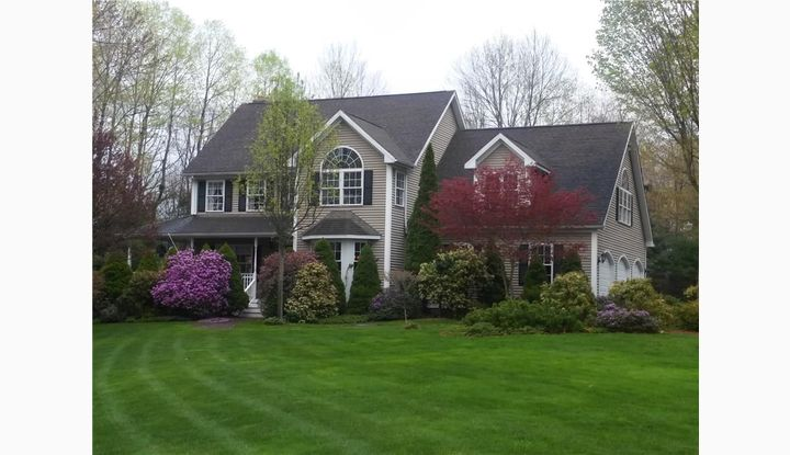 67 Blue Trail Dr Thomaston, CT 06787 - Image 1