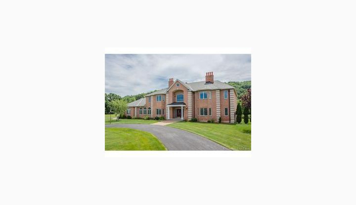 24 Hunting Ridge Dr Simsbury, CT 06070 - Image 1