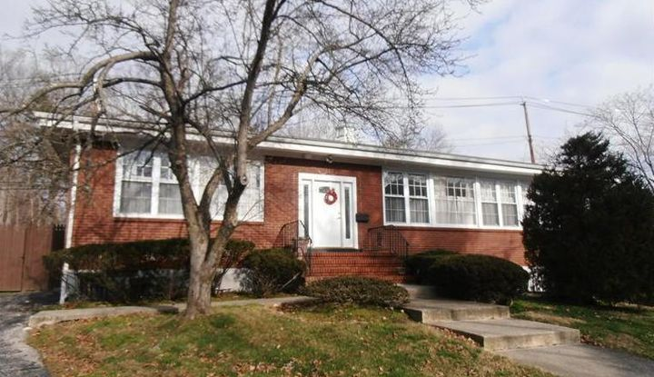 111 Old White Plains Road - Image 1