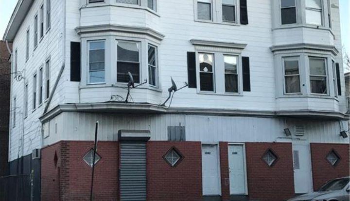 1070 Pembroke Street - Image 1