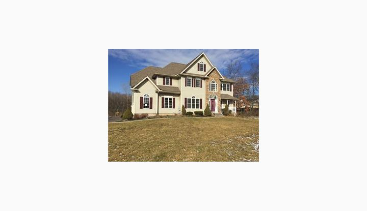 10 Hollandview Dr Bloomfield, CT 06002 - Image 1