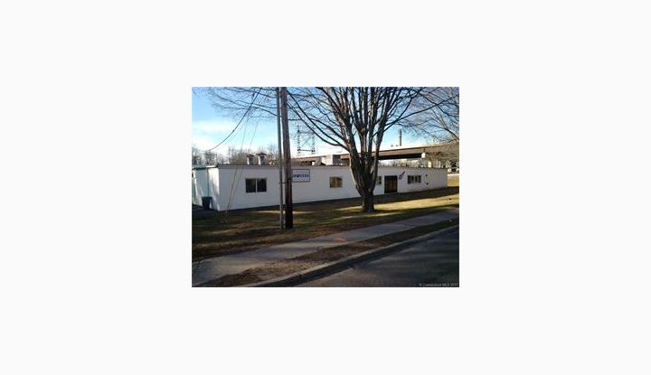 674 Naugatuck Ave Milford, CT 06461 - Image 1