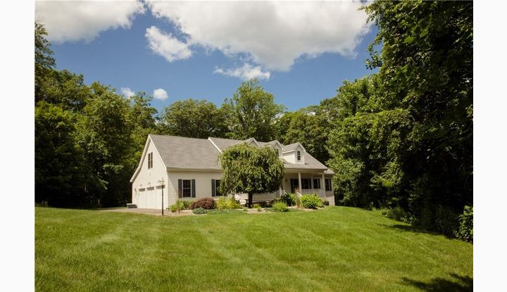 28 Briar Rd Bethany, CT 06524 - Image 1