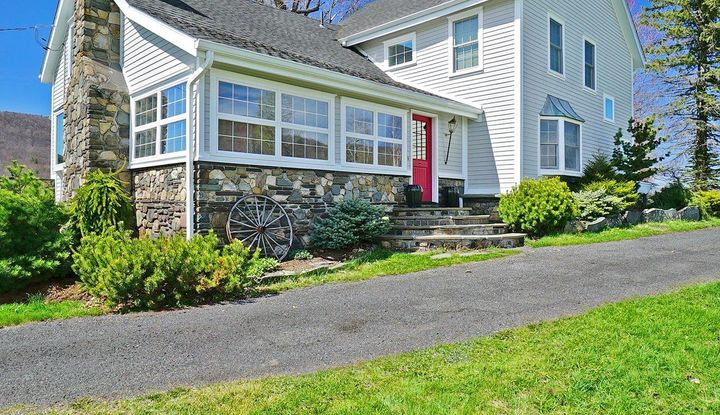 899 Round Hill Road - Image 1